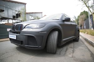 BMW X6 Front 3/4 view