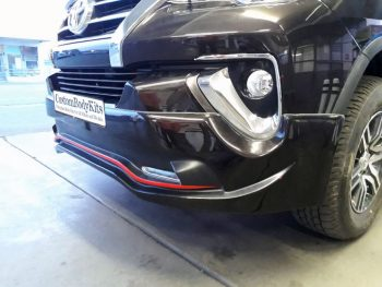 Toyota Fortuner Close-up Front Spoiler