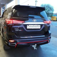 Toyota Fortuner Rear 3/4 view